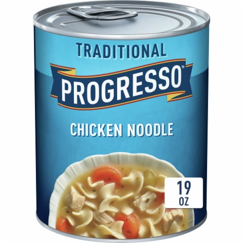 Progresso Traditional Chicken Noodle Soup Perspective: front