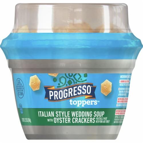 Progresso Toppers Italian Style Wedding Soup with Oyster Crackers Perspective: front