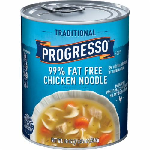 Progresso Traditional 99% Fat Free Chicken Noodle Soup Perspective: front
