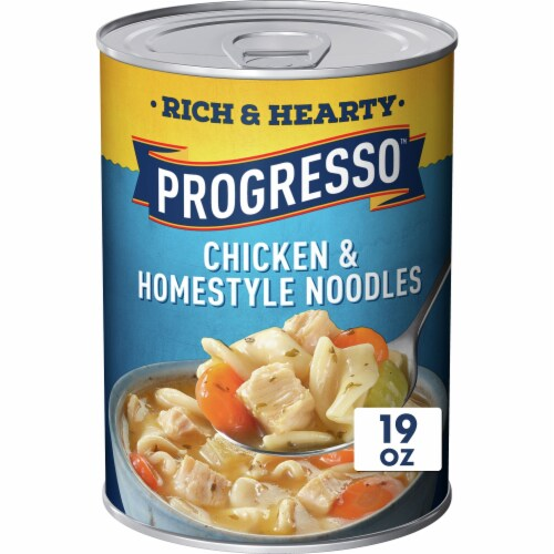 Progresso Rich & Hearty Chicken & Homestyle Noodles Soup Perspective: front