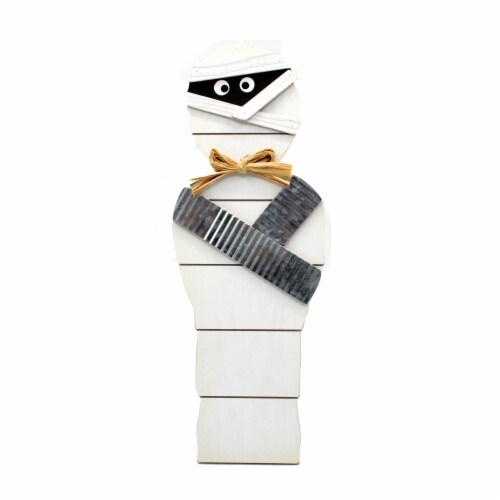 Holiday Home Wood Mummy Sign - White Perspective: front