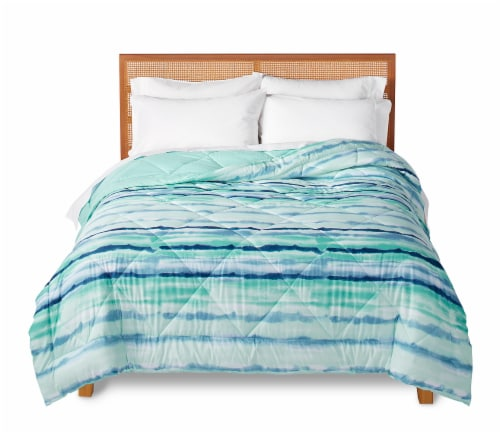 EDL Watercolor Reversible Comforter Perspective: front