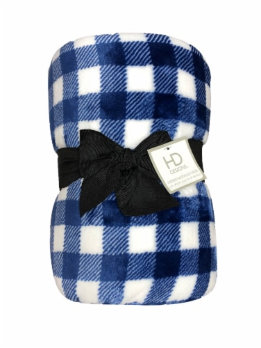 HD Designs™ Oversized Throw Blanket - Winter Picnic Plaid Perspective: front