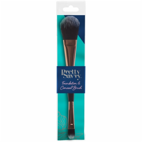Pretty Savvy Foundation & Conceal Brush Perspective: front