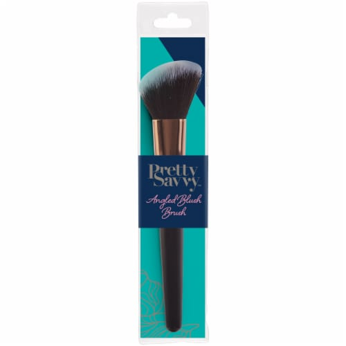 Pretty Savvy Angled Blush Brush Perspective: front