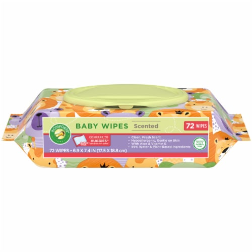 Comforts™ Clean Fresh Scent Baby Wipes Perspective: front