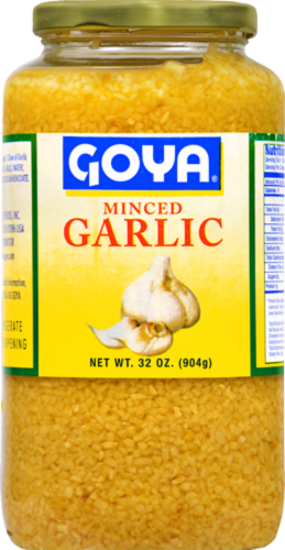 Goya Minced Garlic Perspective: front