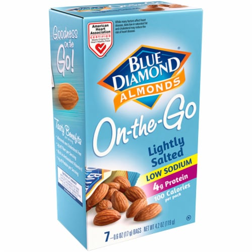 Blue Diamond On-the-Go Low Sodium 100 Calorie Almond Packs 7 Count Perspective: front