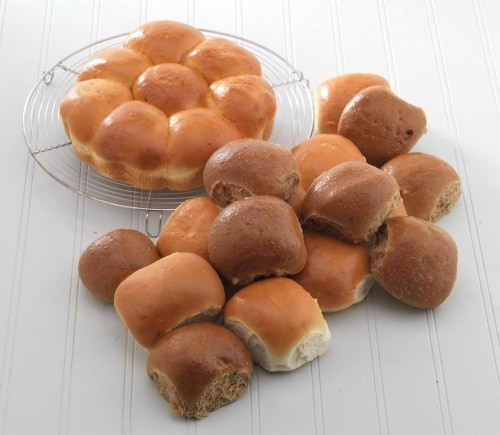 Bakery Fresh Wheat Dinner Rolls 12ct Perspective: front