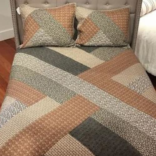 Ayesha Curry Malik Quilt Set Perspective: front