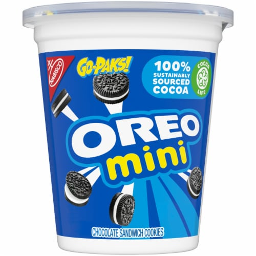 Oreo Mini Chocolate Sandwich Cookies Go-Pak Perspective: front