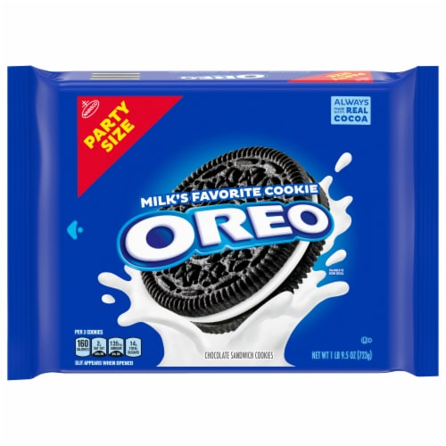 Oreo Chocolate Sandwich Cookies Party Size Perspective: front