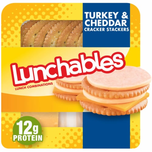 Lunchables Turkey & Cheddar with Crackers Perspective: front