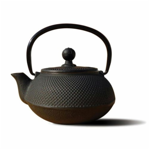 Old Dutch International 1016MB Matte Black Cast Iron Sapporo Teapot 20 Oz Perspective: front