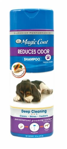 Four Paws Magic Coat Antibacterial Shampoo Perspective: front
