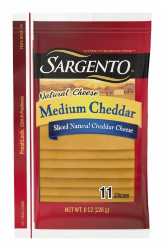 Sargento Natural Medium Cheddar Cheese Slices Perspective: front