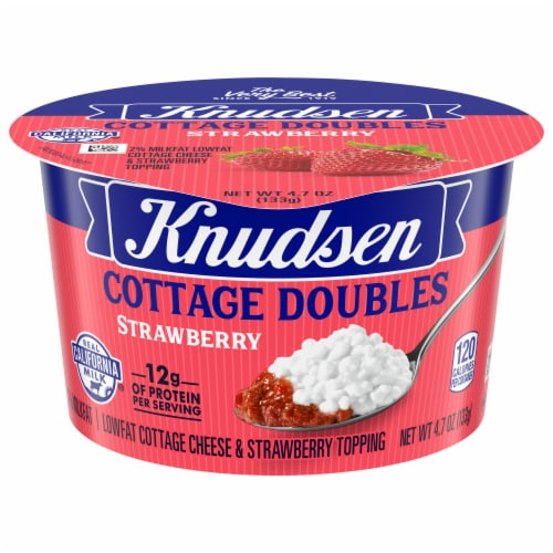 Knudsen Cottage Doubles Strawberry Topping & Low Fat Cottage Cheese Cup Perspective: front