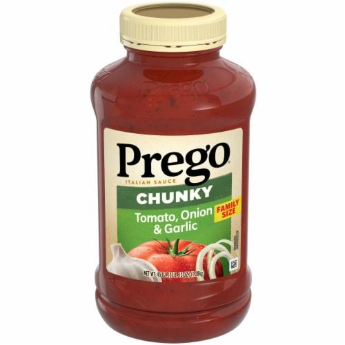 Prego Garden Chunky Tomato Onion & Garlic Italian Sauce Perspective: front