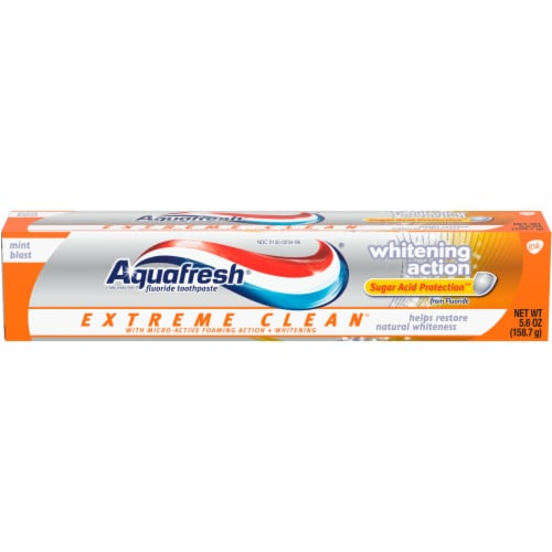 Aquafresh Extreme Clean Whitening Action Mint Blast Toothpaste Perspective: front