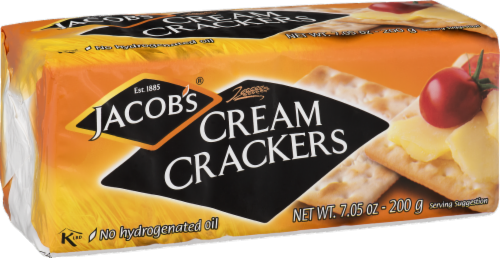 Jacob's Cream Crackers Perspective: front