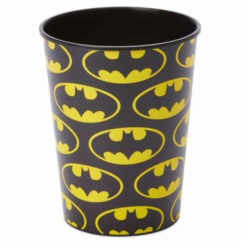 American Greetings Batman Plastic Party Cups Perspective: front