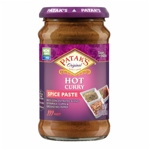 Patak's Hot Concentrated Curry Paste Perspective: front
