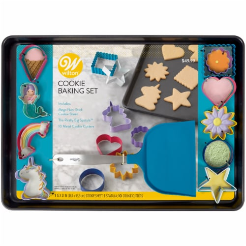 Wilton Cookie Baking Set Perspective: front