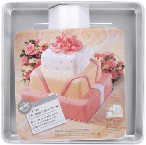 Wilton3-Tier Deep Cake Pan Set Perspective: front
