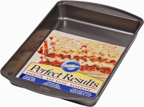 Wilton Perfect Results Nonstick  Lasagna Pan - Black Perspective: front