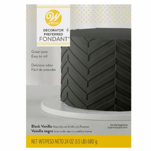 Wilton® Decorator Preferred Black Fondant Perspective: front