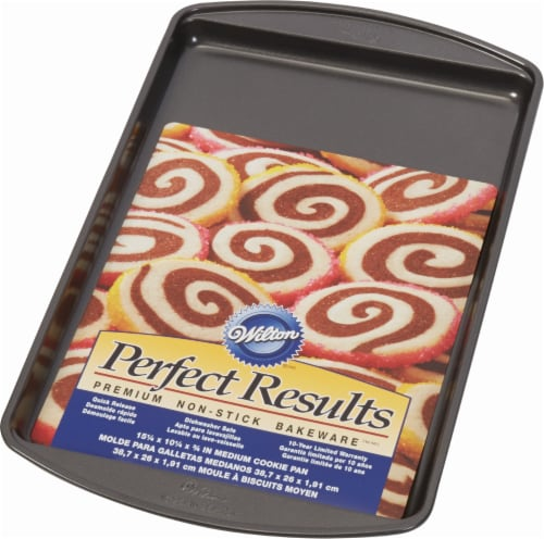 Wilton Perfect Results Non-Stick Medium Cookie Pan - Dark Gray Perspective: front