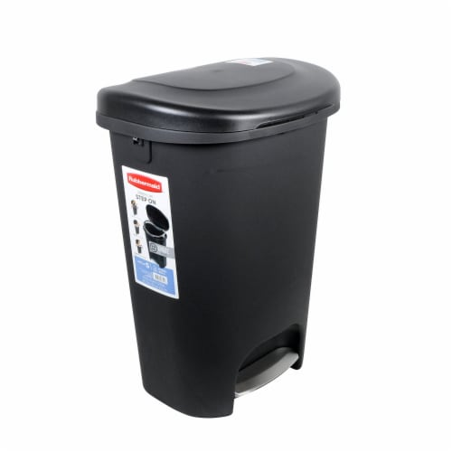 Rubbermaid Classic 13 Gallon Plastic Hands Free Step On Lid Trash Can, Black Perspective: front