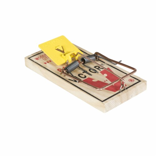 Victor® Easy Set Rat Trap Perspective: front