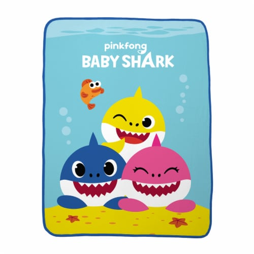 Pinkfong Baby Shark Throw Blanket Perspective: front