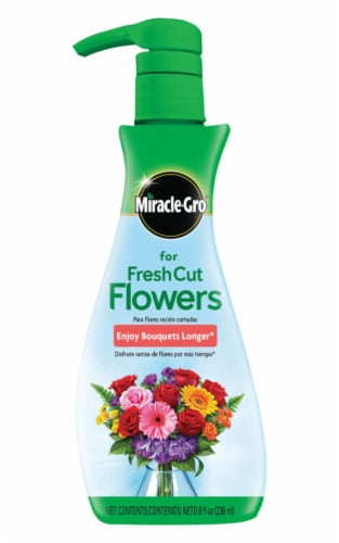 Miracle-Gro Fresh Cut Flower Food Perspective: front