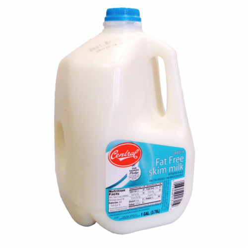 Central Fat Free Skim Milk Perspective: front