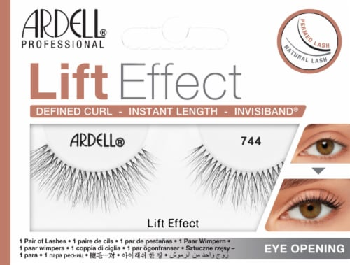 Ardell 743 Lift Effect Lash Perspective: front