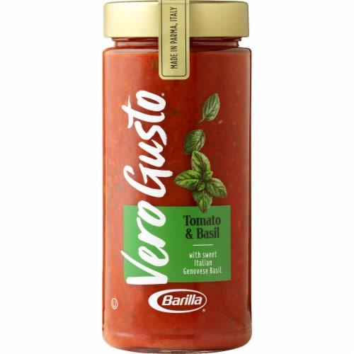 Barilla Vero Gusto Tomato & Basil Sauce Perspective: front