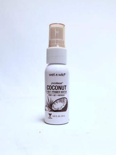 Wet n Wild PhotoFocus In Love with Coconut 3-in-1 Primer Water Perspective: front