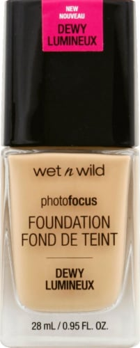 Wet n Wild Photo Focus Dewy Soft Beige Foundation Perspective: front