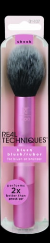 Real Technique Blush Brush Perspective: front