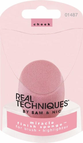 Real Techniques Miracle Finish Sponge Perspective: front