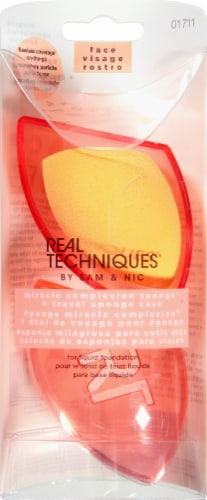 Real Techniques Base Miracle Complexion Sponges with Case Perspective: front