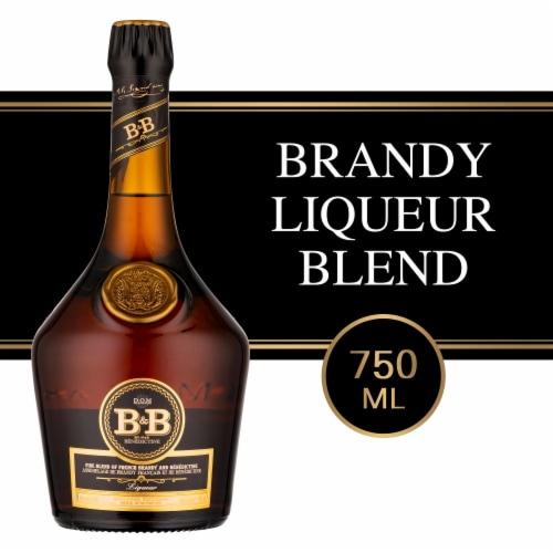 Dom Benedictine B&B Fine Cognac Perspective: front