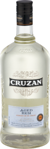 Cruzan Aged Light Rum Perspective: front