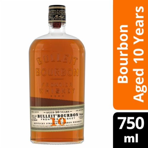 Bulleit Bourbon 10-Year Kentucky Straight Bourbon Whiskey Perspective: front