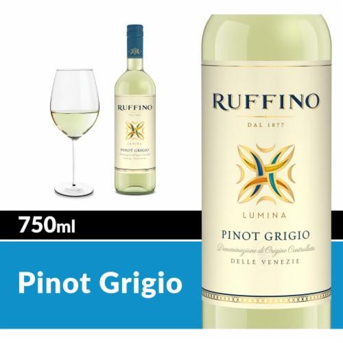 Ruffino Lumina Pinot Grigio White Wine Perspective: front