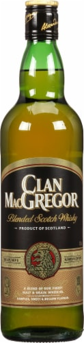 Clan MacGregor Blended Scotch Whisky Perspective: front
