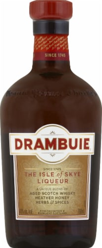 Drambuie The Isle of Skye Liqueur Perspective: front
