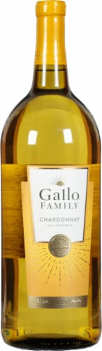 Gallo Family Vineyards Chardonnay White Wine Perspective: front